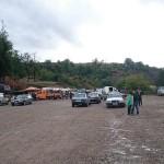 Albanischer Markt und überall Mercedes,