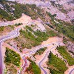 Viele frisch asphaltierte Serpentinen führen aus dem Vermosh-Tal nach Shkodra