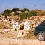 Festung Amantia... was davon noch übrig ist (...wird als Bauernhof missbraucht)