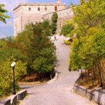 Weg auf die Burg von Gjirokastra