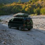 Übernachtung am Fluss Moraca in Montenegro